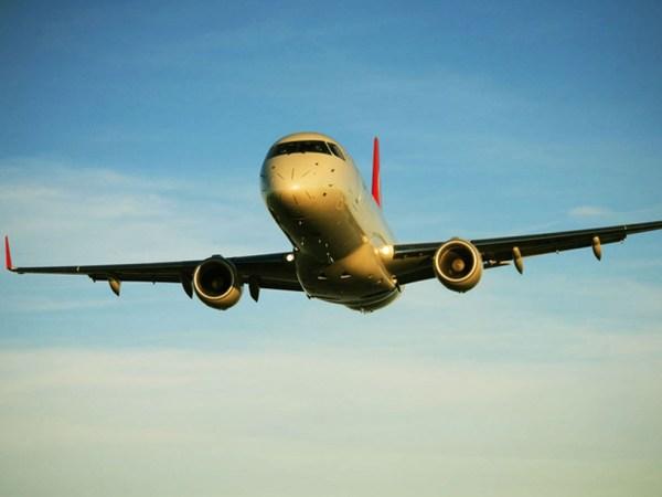 175 10 600x450 - Embraer vende 25 E-Jets para SkyWest
