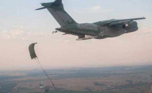 37976 resize 620 380 true false null 600x368 - Exército Brasileiro divulga as imagens dos testes com o KC-390