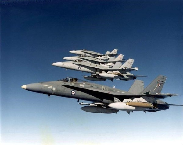 RAAF 3A21 7 600x477 - Governo do Canadá confirma interesse nos caças Hornets australianos