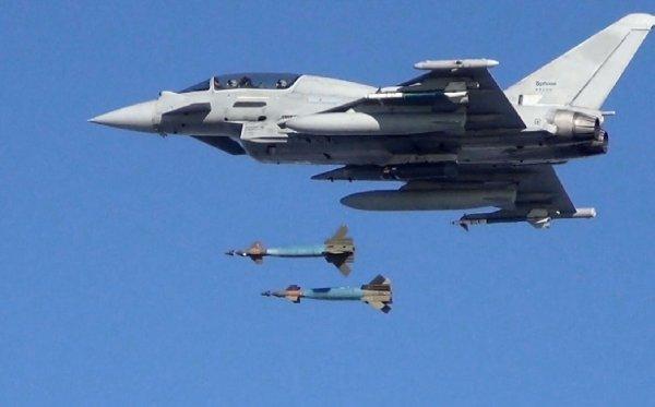 wpid Typhoon dual bomb drop 600x373 - Caças Typhoon da RAF completam missão de mais longa duração contra o Estado Islâmico