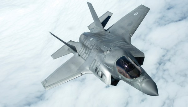 2017 05 F 35 1 600x342 - Encomenda britânica de F-35B poderá ser reduzida devido a restrições orçamentárias