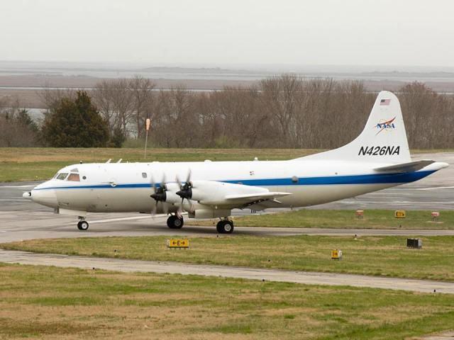 NASA P 3 - Avião da NASA se junta as buscas ao submarino argentino desaparecido