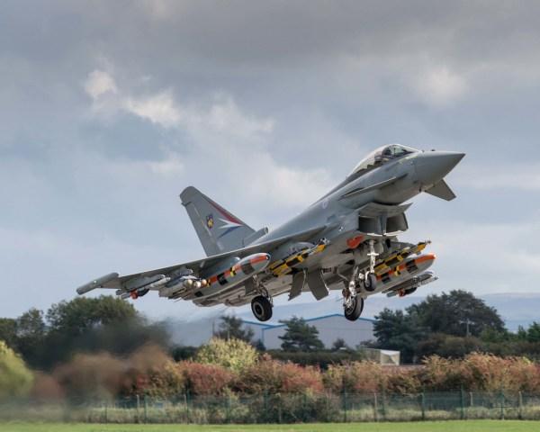 RS65228 201709405 lpr 600x480 - Eurofighter conclui testes de integração do míssil Brimstone no caça Typhoon