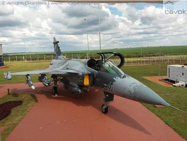 15139232 1162261060526328 1696268080 n 1 600x451 - Acordo entre Boeing e Embraer poderá afetar programa do Gripen para FAB