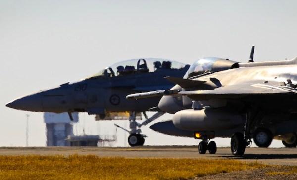 20140804raaf8540638 0007 600x364 - Acordo entre Boeing e Embraer poderá afetar programa do Gripen para FAB