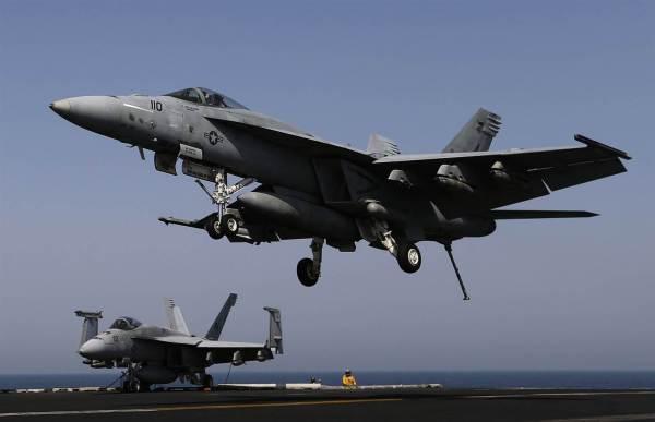 160526 super hornets navy 000 600x387 - Trump quer mais 24 caças Super Hornets para Marinha dos EUA
