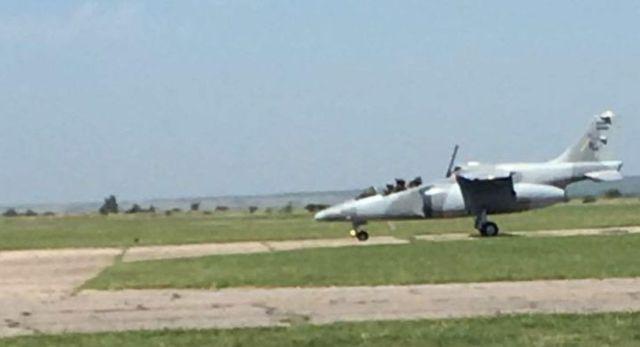 pampa incidente - Primeiro jato IA-63 Pampa III da Força Aérea Argentina perde a cobertura do cockpit em pleno voo