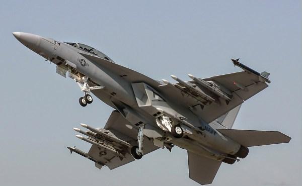 7C0BECA9 1017 49CD 8829 B2C640F231A5 600x370 - Boeing e Kuwait finalizam acordo para os 28 Super Hornets