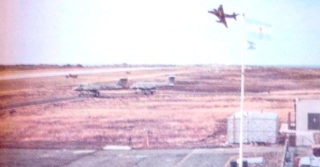 A 4 aeroporto de port stanley guerra das falklands malvinas - GUERRA DAS FALKLANDS/MALVINAS: A pista do aeroporto de Stanley poderia ter feito a diferença para os argentinos?