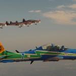 FIDAE: Aeronaves da Esquadrilha da Fumaça e dos Halcones voam juntas