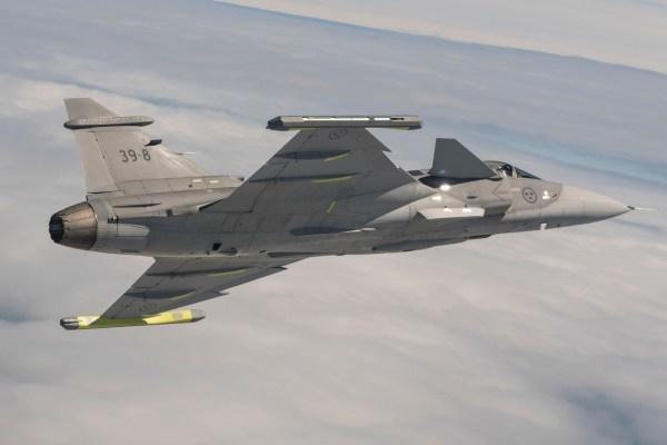 SKA6940 1 600x400 - Saab destaca qualidades do Gripen E em competição na Índia