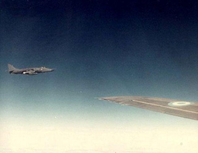 guerra das malvinas sea harrier - GUERRA DAS FALKLANDS/MALVINAS: o dia em que uma aeronave brasileira esteve há minutos de ser abatida