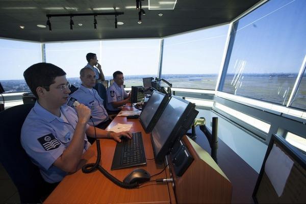 i1842614213356271 600x400 - BRASIL: FAB realiza modificações para otimizar tráfego aéreo em São Paulo
