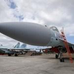 Defesas aéreas russas abatem dois drones não identificados na Síria