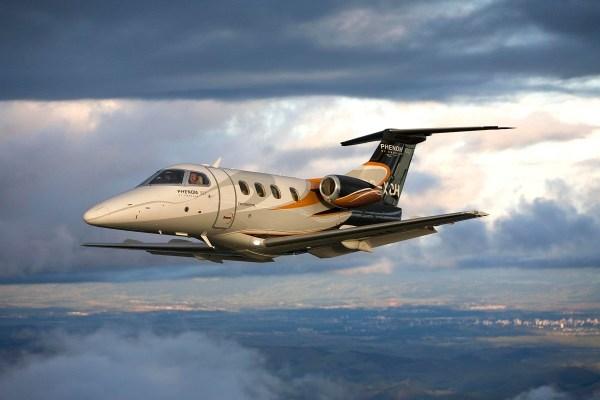 Phenom 100 voando 03 mod 600x400 - Os 10 jatos executivos que revolucionaram o mercado nos últimos 30 anos