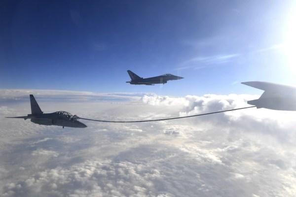 20181120 RifornimentoInVolo T346A 600x400 - IMAGENS: Força Aérea Italiana conclui turnê de demonstrações pelo Oriente Médio