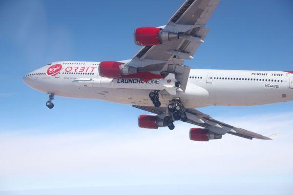 """DB2A0316 2 1440x960 600x400 - VÍDEO: Virgin Orbit realiza primeiro voo do 747 """"Cosmic Girl"""" com o LauncherOne"""