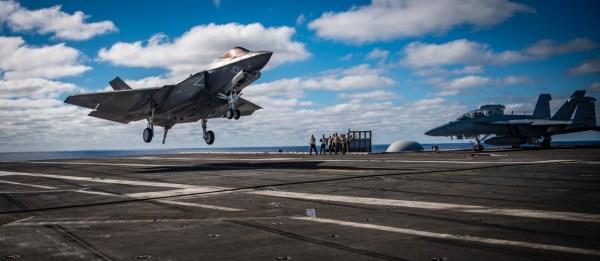 181208 N LK571 1008 600x261 - F-35C mais próximo da Capacidade Operacional Inicial com a Marinha dos EUA
