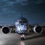 """Air Astana recebe seu primeiro E190-E2, com pintura """"Snow Leopard"""""""