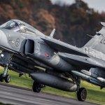 IMAGENS: Gripens suecos armados com mísseis Meteor