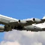 Caças russos interceptam aeronave RC-135V da USAF próximo da Crimeia