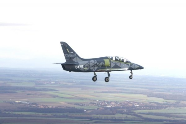 za letu 600x400 - VÍDEO E IMAGENS: Voa o primeiro jato de treinamento e ataque leve Aero L-39NG