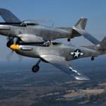 """VÍDEO: XP-82 Twin Mustang voa """"oficialmente"""" pela primeira vez"""