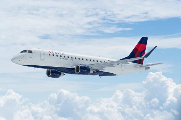 webimage 4A4A3BE4 EF18 44F3 AF978E1AE2D5DC91 600x399 - Embraer e SkyWest assinam contrato para nove jatos E175