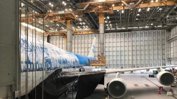 747 2 1170 750x420 600x336 - IMAGENS: Boeing 747-400 aposentado cruza estradas para virar atração em hotel na Holanda