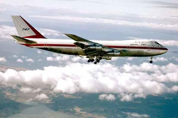 "Boeing 747 First Flight 600x400 - BOEING 747: 50 anos do primeiro voo da aeronave ""Queen of the Skies"""