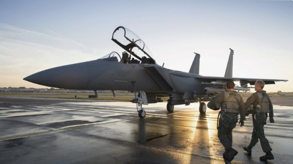F 15 Advanced 600x337 - Boeing completa testes do F-15 Advanced