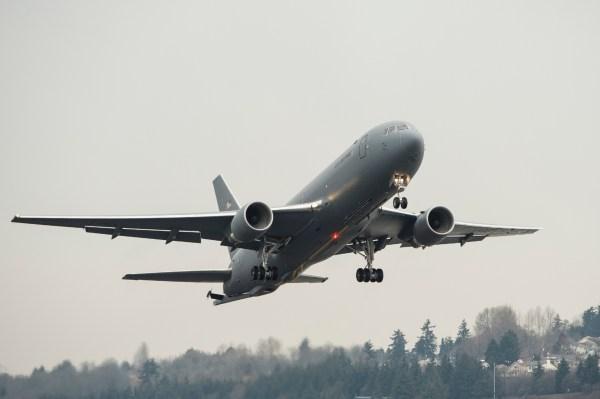 MAL7263 high res 600x399 - Boeing entrega o primeiro KC-46 para uma unidade de treinamento da USAF
