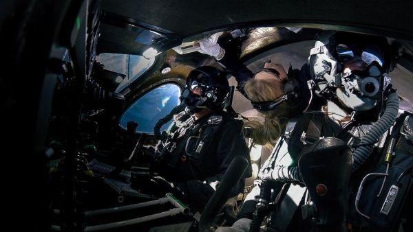 Virgin Galctic s Second Spaceflight   3 New Astronauts 600x338 - Espaçonave da Virgin Galactic atinge o espaço pela primeira com três pessoas a bordo