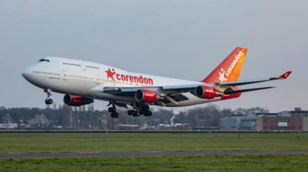 corendon 747 schipholcarnoud raeven 1600 600x334 - IMAGENS: Boeing 747-400 aposentado cruza estradas para virar atração em hotel na Holanda