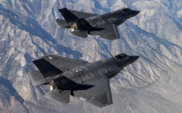 """RZ2Z7HIRF5ABNNUYVCKXIYKZM4 600x374 - Marinha dos EUA declara o F-35C """"pronto para o combate"""""""