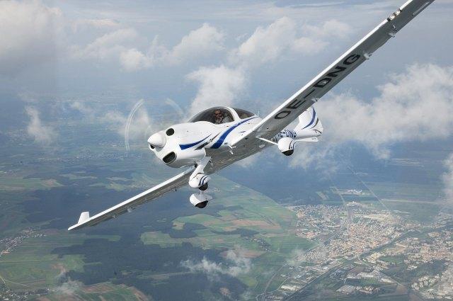 csm DA40 Airframe 8812664cb5 - Austrália aluga oito aviões DA40 NG para treinamento de cadetes