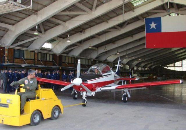 ENAER T 35 entregue em 8 3 2013 foto FACh e1557794238455 - Chile vai substituir avião de treinamento T-35 Pillán