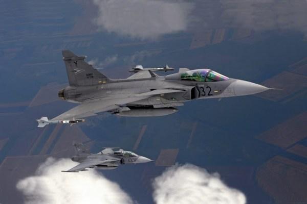 Gripen scramble Baltic 600x400 - Gripens húngaros são acionados pela primeira vez na 50ª rotação do policiamento aéreo da OTAN