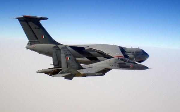 00001 529 600x375 - Forças aéreas indiana e francesa realizam o Exercício Garuda VI na França