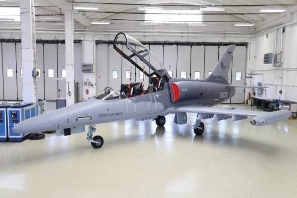 203154 1 600x400 - Aero Vodochody entrega três aeronaves L-159T2 modernizadas para Força Aérea Checa