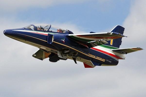 M345 600x400 - Leonardo recebe contrato para fornecer 13 treinadores M-345 adicionais para a Itália