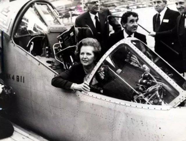 guerra das falklands mavinas margareth tatcher - GUERRA DAS FALKLANDS/MALVINAS: Como a guerra salvou o governo de Margaret Thatcher