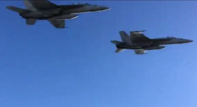 buzzthetower super Hornet - VÍDEO: Caças Super Hornets relembram famosa cena do filme Top Gun