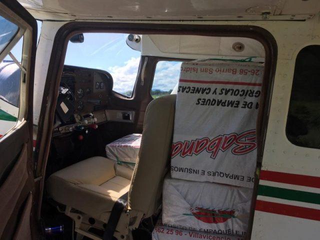 droga 800x600 - VÍDEOS: Aeronave com drogas interceptada pela FAB faz pouso forçado em rodovia