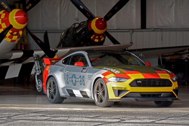 "ford and roush s 710 hp old crow mustang pays respect to a wwii triple ace pilot  596514  - AIRVENTURE: Ford apresenta o Mustang GT 2019 ""Old Crow"""