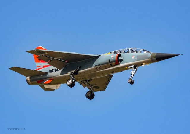 69361977 1129121803958417 8667884911232811008 n 650x460 - IMAGENS: Voa primeiro Mirage F1 da ATAC