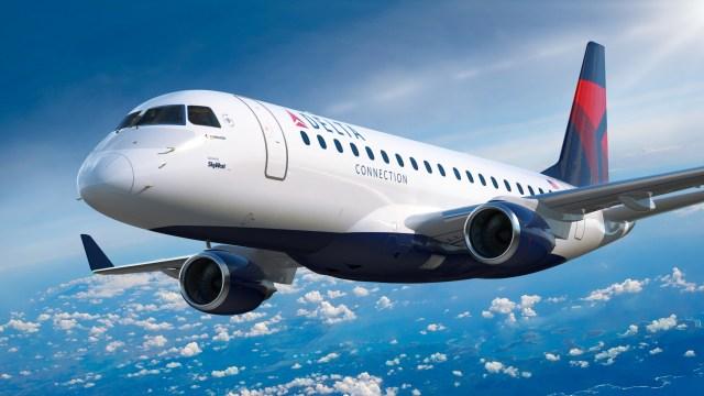 E175 Delta Connection opc4 - Embraer e Skywest assinam contrato para sete jatos E175