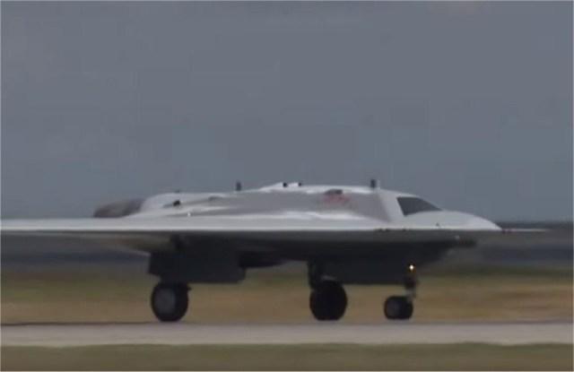 "Russian heavy drone S 70 Okhotnik maiden flight video - VÍDEO: Primeiro voo do drone de combate stealth russo ""Hunter"""