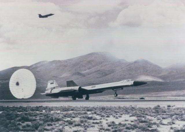 YF 12 em 1963 - FELIZ ANIVERSÁRIO! Lockheed YF-12A