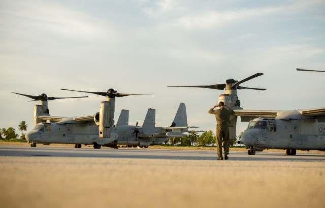 1000w q95 10 - IMAGENS: Fuzileiros Navais dos EUA realizam voo transpacífico com tiltrotores MV-22 Ospreys